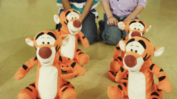 Bounce Bounce Tigger TV Spot, 'Lunch Room' - Thumbnail 9