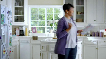 Swiffer WetJet TV Spot, 'Cool Mom' - Thumbnail 4