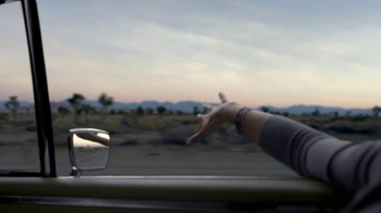 Droid Razr M on Verizon TV Spot, 'Projections' - Thumbnail 3