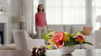 Glade Expressions Oil Diffuser TV Spot, 'RoomiAir' - Thumbnail 2
