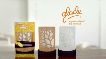Glade Expressions Oil Diffuser TV Spot, 'RoomiAir' - Thumbnail 3