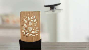 Glade Expressions Oil Diffuser TV Spot, 'RoomiAir' - Thumbnail 4
