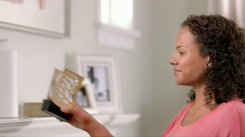 Glade Expressions Oil Diffuser TV Spot, 'RoomiAir' - Thumbnail 7