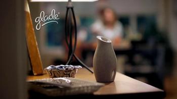 Glade Sense and Spray TV Spot, 'Surprise' - Thumbnail 1