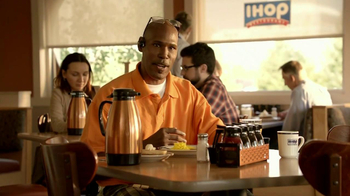 IHOP Weekly Classic Breakfast TV Spot, 'Sound Bites' - Thumbnail 7