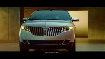 2013 Lincoln MKX TV Spot, 'Think Again' - Thumbnail 4