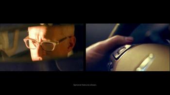 2013 Lincoln MKX TV Spot, 'Think Again' - Thumbnail 5