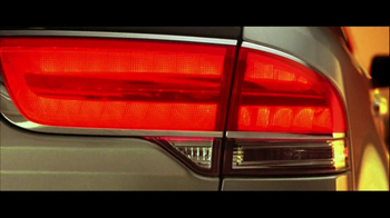 2013 Lincoln MKX TV Spot, 'Think Again' - Thumbnail 6