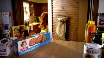 Little Debbie Oatmeal Creme Pies TV Spot, 'Tradition' - Thumbnail 4