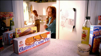 Little Debbie Oatmeal Creme Pies TV Spot, 'Tradition' - Thumbnail 7