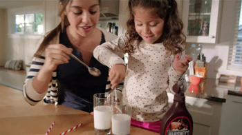 Hershey's Chocolate Syrup TV Spot, 'Stir It Up' - Thumbnail 6