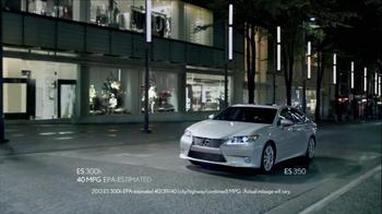 2013 Lexus ES and ES Hybrid TV Spot, 'Infinite Glances' - Thumbnail 7