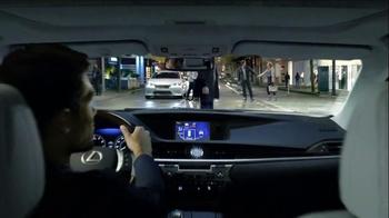2013 Lexus ES and ES Hybrid TV Spot, 'Infinite Glances' - Thumbnail 5