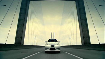 2013 Lexus ES 350 and ES 300h TV Spot, 'Split World' - Thumbnail 5