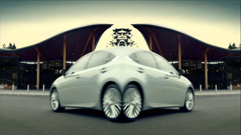 2013 Lexus ES 350 and ES 300h TV Spot, 'Split World' - Thumbnail 9