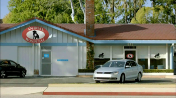 2013 Volkswagen Jetta TV Spot, 'Bulldog' Dirty Old Egg-Sucking Dog Song - Thumbnail 5