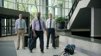 FedEx TV Spot for Golf Club Delivery - Thumbnail 7