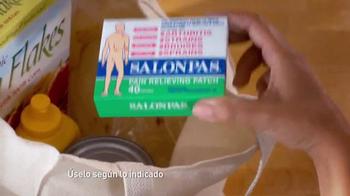 Salonpas Pain Relieving Patch TV Spot, 'Más Por Menos' [Spanish] - Thumbnail 3
