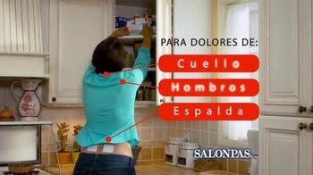 Salonpas Pain Relieving Patch TV Spot, 'Más Por Menos' [Spanish] - Thumbnail 7