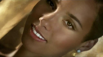 Givenchy Dahlia Divin TV Spot Featuring Alicia Keys - Thumbnail 5