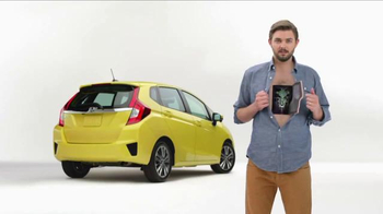 2015 Honda Fit TV Spot, 'Yogis, Carpets, Yachts and Aliens' - Thumbnail 7