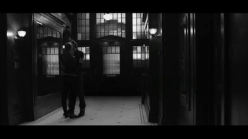Gap TV Spot, 'Dress Normal: Kiss' - Thumbnail 10
