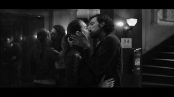 Gap TV Spot, 'Dress Normal: Kiss' - 178 commercial airings