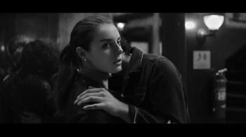 Gap TV Spot, 'Dress Normal: Kiss' - Thumbnail 7