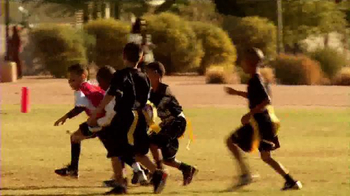 Buffalo Wild Wings TV Spot, 'Team Up for Kids' - Thumbnail 3