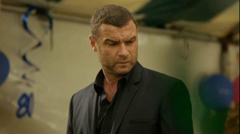 Time Warner Cable TV Spot, 'Surprise' Featuring Liev Schreiber - Thumbnail 7