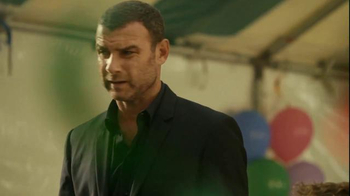 Time Warner Cable TV Spot, 'Surprise' Featuring Liev Schreiber - Thumbnail 8