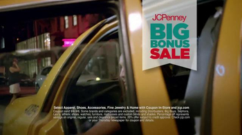 JCPenney Big Bonus Sale TV Spot, 'Every Woman's Right' - Thumbnail 7