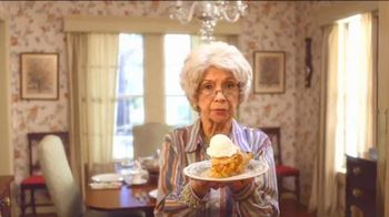 Dairy Queen Blizzard TV Spot, 'Pumpkin Pie vs. Apple Pie' - Thumbnail 5