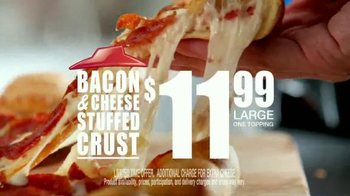 Pizza Hut Bacon Stuffed Crust TV Spot, 'Good News' Featuring Blake Shelton - Thumbnail 8