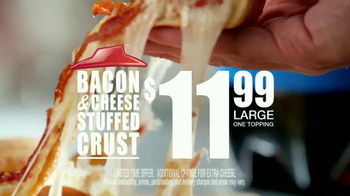 Pizza Hut Bacon Stuffed Crust TV Spot, 'Good News' Featuring Blake Shelton - Thumbnail 9
