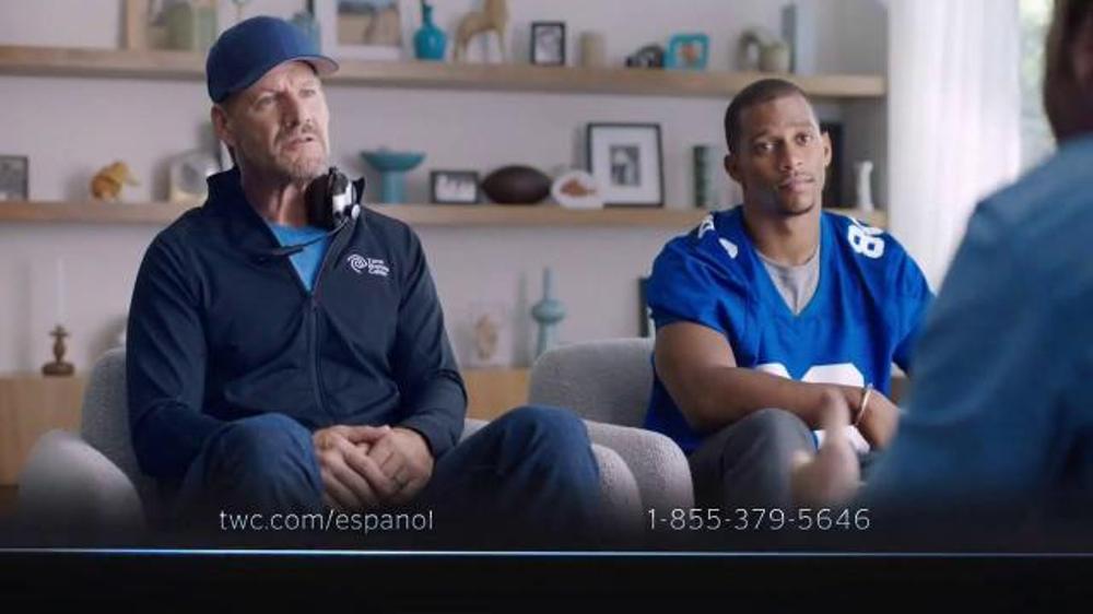 Time Warner Cable Internet Econ??mica TV Commercial Con Victor Cruz