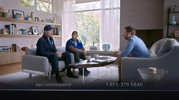 Time Warner Cable Internet Económica TV Spot Con Victor Cruz [Spanish] - Thumbnail 4