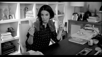 American Express EveryDay Card TV Spot, 'What's Inside Tina Fey's Purse' - Thumbnail 1