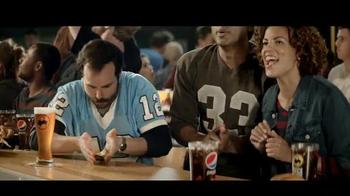 Buffalo Wild Wings TV Spot, 'Hail Barry' - Thumbnail 9