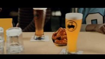 Buffalo Wild Wings TV Spot, 'Hail Barry' - Thumbnail 7
