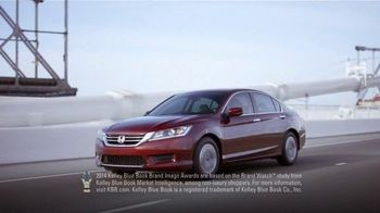 Honda Accord Clearance Event TV Spot, 'More Features: 2014 Accord' - Thumbnail 7