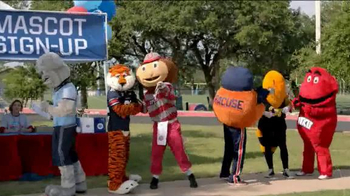 Capital One Mascot Challenge 2014 TV Spot, 'Why Did Cocky Cross The Road?' - Thumbnail 3