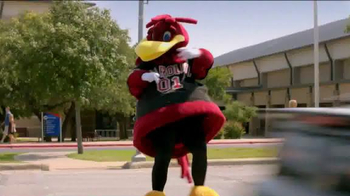 Capital One Mascot Challenge 2014 TV Spot, 'Why Did Cocky Cross The Road?' - Thumbnail 6