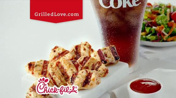 Chick-fil-A Grilled Chicken Nuggets TV Spot, 'Talented Cows' - Thumbnail 10