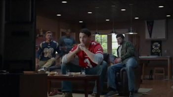 DIRECTV NFL Sunday Ticket TV Spot, 'Clap' - Thumbnail 1