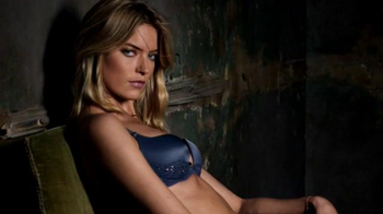 Victoria's Secret Fearless Collection TV Spot, 'Victoria's Secret Fearless' - Thumbnail 5