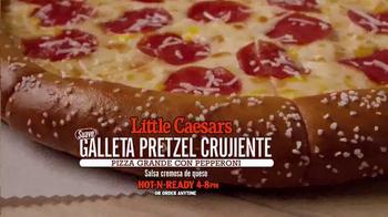 Little Caesars Galleta Pretzel Crujiente TV Spot, 'Llamada' [Spanish] - Thumbnail 7