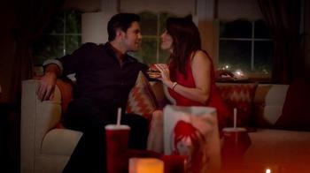 Wendy's Smoked Gouda Chicken TV Spot, 'Noche Romantica' [Spanish] - Thumbnail 6