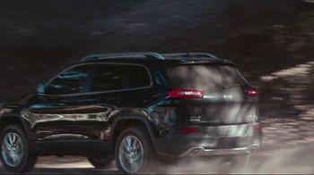 2014 Jeep Cherokee TV Spot, 'Celebration Event' Song by Michael Jackson - Thumbnail 3