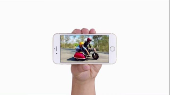 Apple iPhone 6 TV Spot, 'Cameras' Featuring Justin Timberlake, Jimmy Fallon - Thumbnail 5